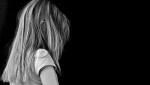 Boşanmış ebeveynler çocukları için sokağa çıkma kısıtlaması muafiyeti istiyor