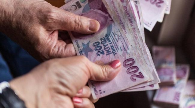 Emeklilere bayram ikramiyesi ödemeleri başladı! Kim ne zaman, nasıl alacak? İşte detaylar