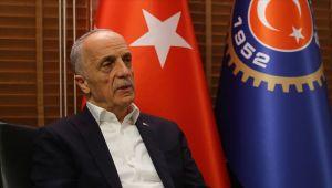 Türk-İş Genel Başkanı Atalay: Bu yıl 1 Mayıs'ı tüm sağlık çalışanlarına atfediyoruz