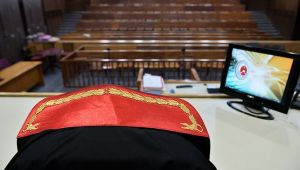 FETÖ 'kumpas soruşturmaları' savcısının kardeşi ve avukatına para göndermiş