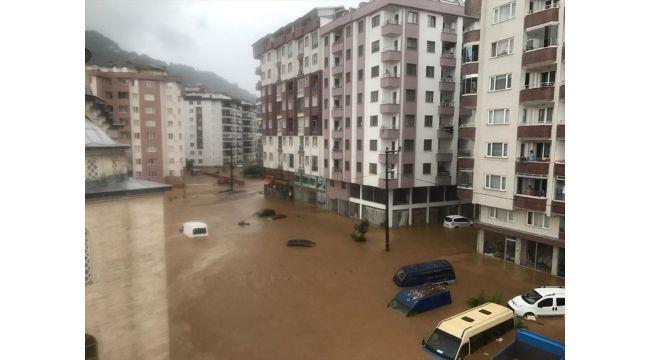 Şiddetli yağış Rize'yi de vurdu: 2 can kaybı