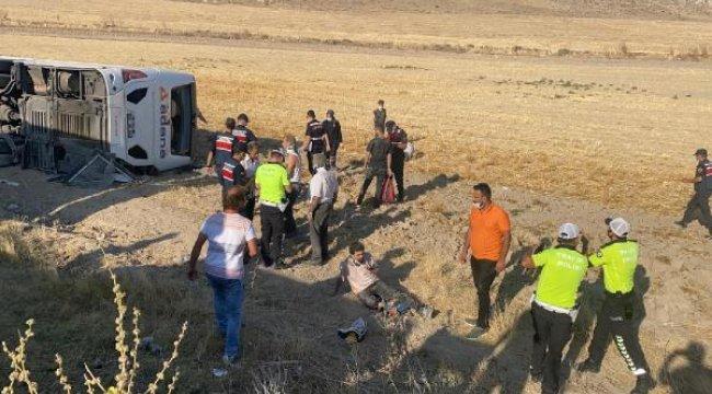 Aksaray- Adana karayolunda feci kaza! 30 kişi yaralandı