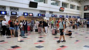 Antalya'ya havayoluyla gelen- giden toplam yolcu 10 milyona ulaştı