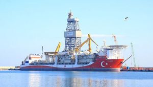 SON DAKİKA: Kanuni sondaj gemisi ilk görevi için Karadeniz'e açıldı
