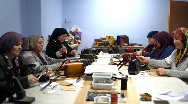 Afyonkarahisar'ın üreten kadınları 4 milyon lira ciroya ulaştı
